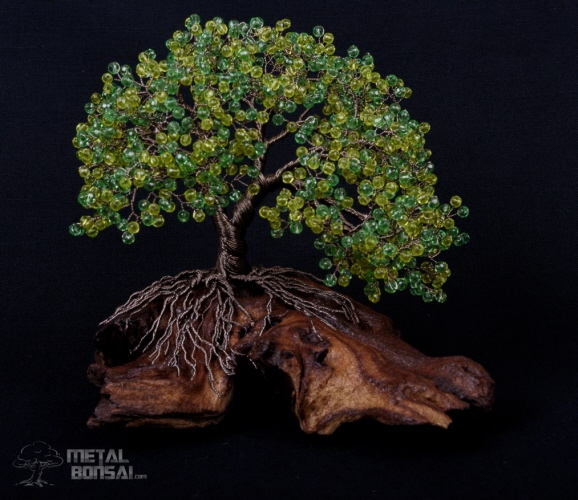 Green Crystal Bead Tree On Wood Base Mg262